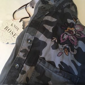 NWT Camo Button Down w/ Embroidery Detail